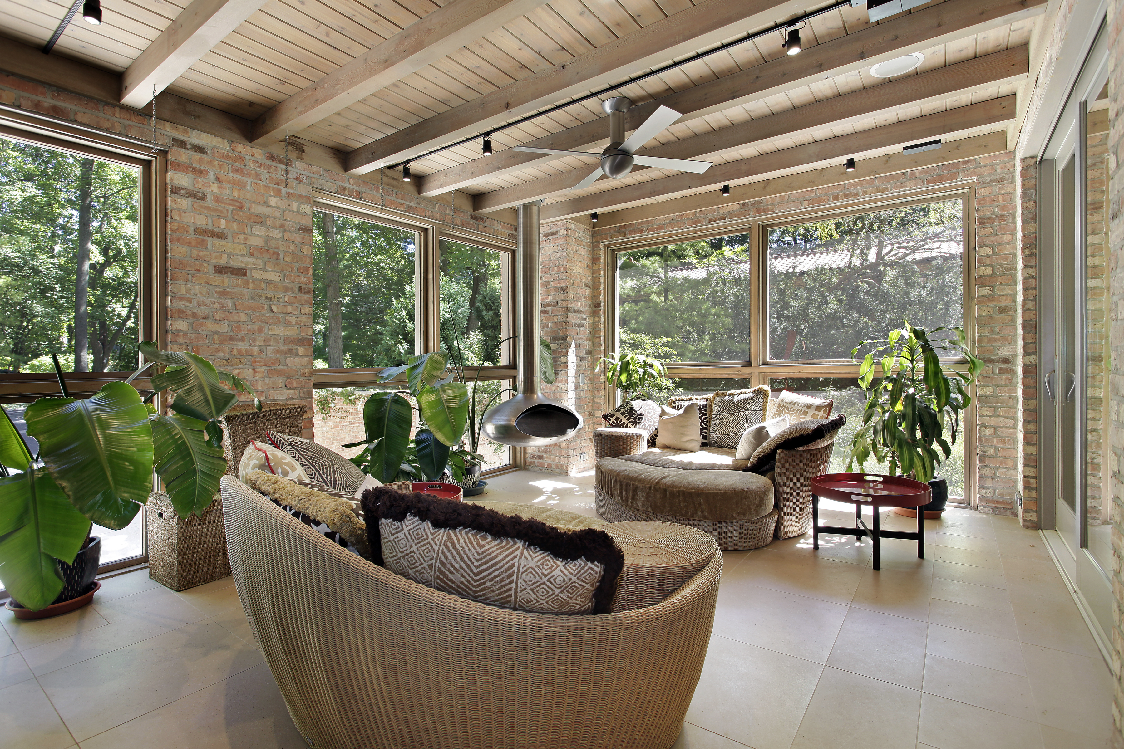 bigstock-Sunroom-in-luxury-home-with-wi-18131345.jpg